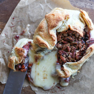 Baked Brie with Cinnamon Pecans and Blackberry Jam